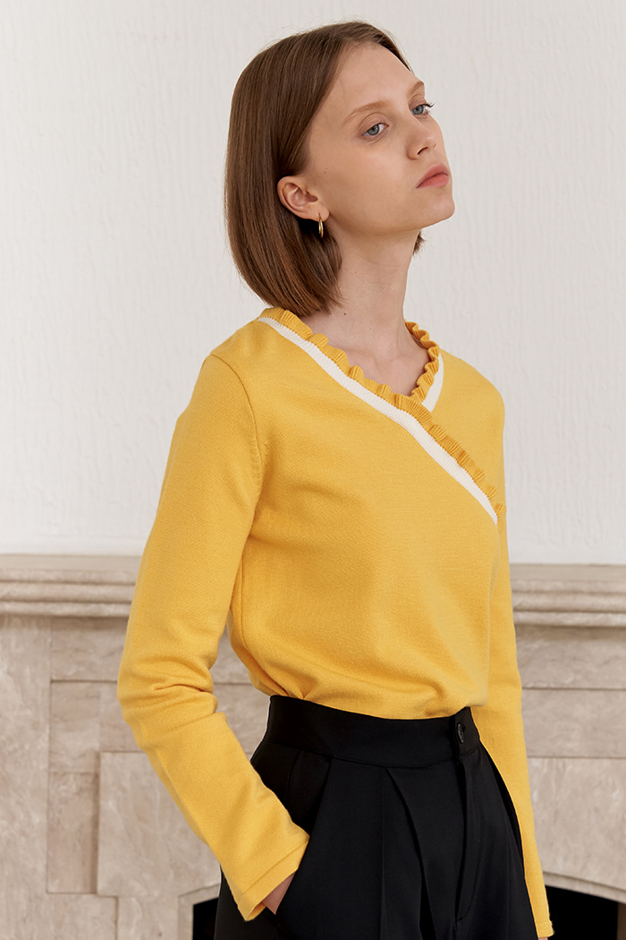 V SHIRRING KNIT_YELLOW