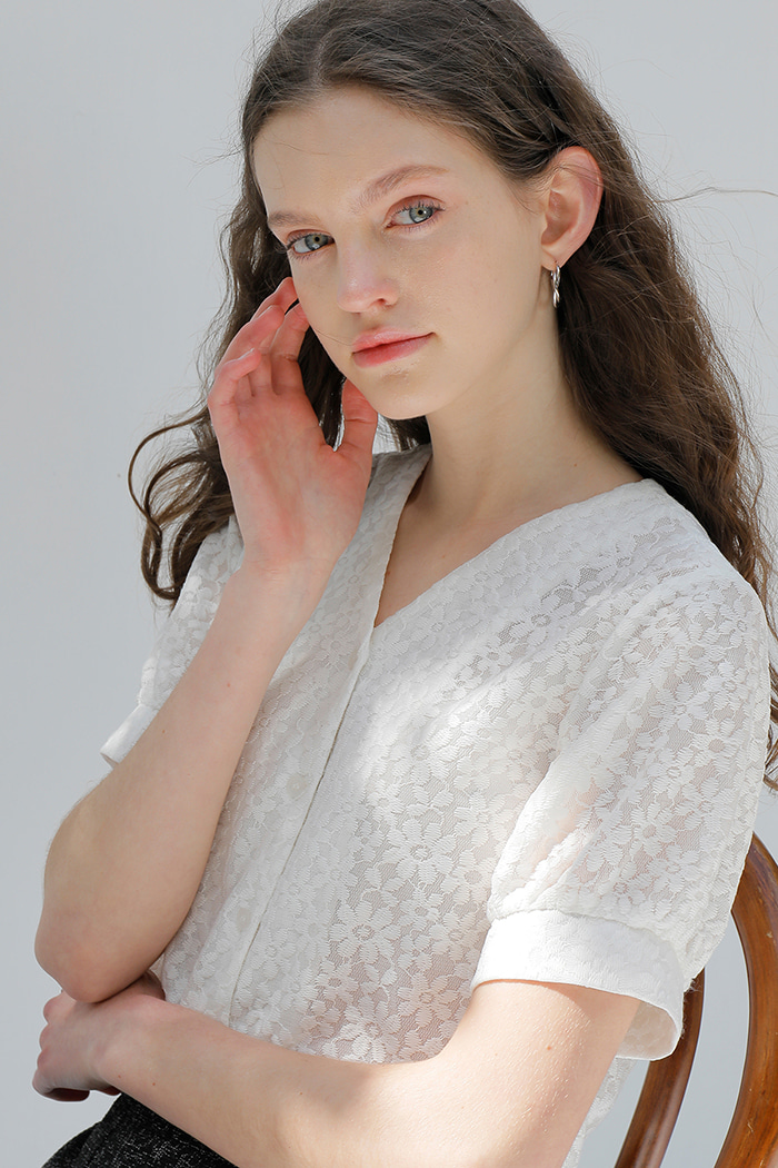 LACE FLOWER SHIRT_WHITE